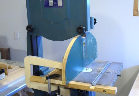 Resaw fence mounted on the bandsaw with clamps.