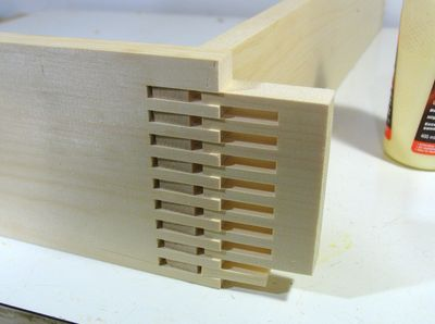 Basically, I cut the box joint about 2 cm deeper into the drawer front