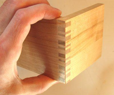 Irregular box joint & More on making box joints Aboutintivar.Com