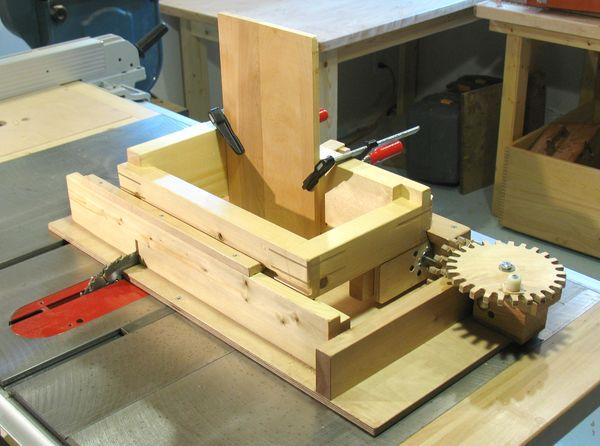 Screw advance box joint jig (v1)
