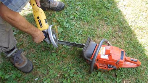 Sharpening A Chanisaw With An Angle Grinder