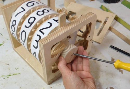 Ciekawe rzeczy z drewna Matthias i jego pomysły