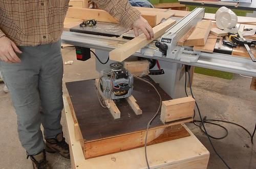 A Dust Collector For The Table Saw