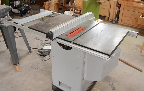 what 39 s a hybrid table saw