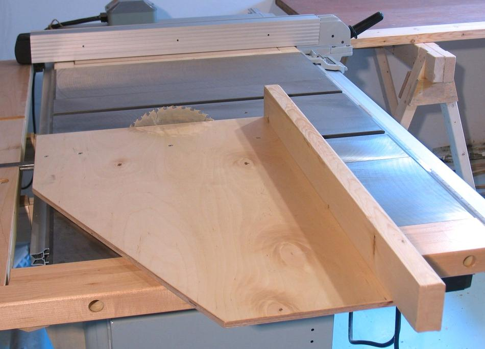 Table saw crosscut sled for Table saw sled