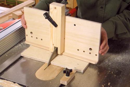 Plantilla gu a para cortar uniones de cola de milano con - Angulos de madera ...