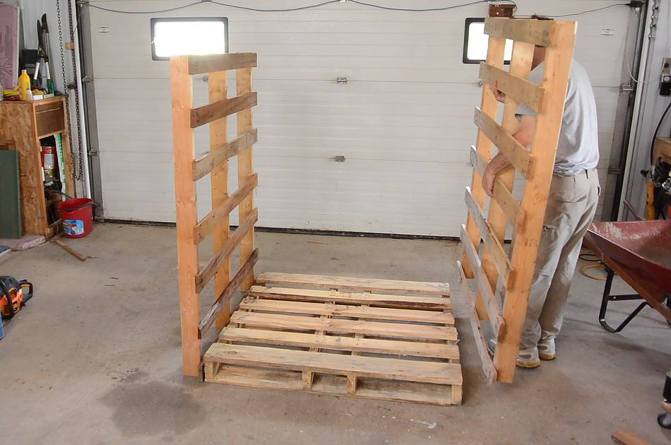 Movable firewood shed build for Movable pallets