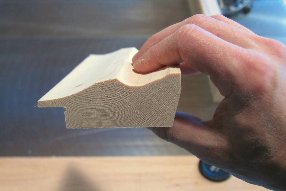 making picture frames with a router