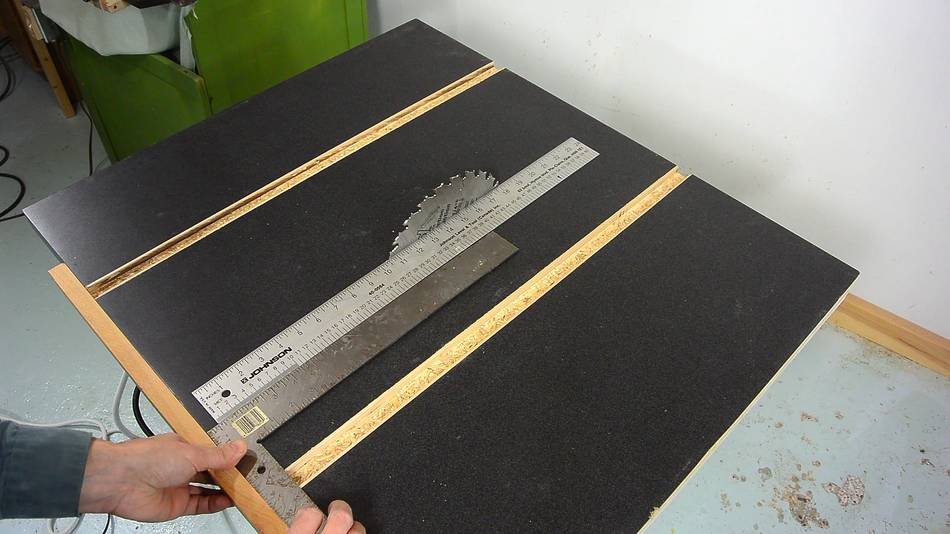 Aligning the table saw for Html table align