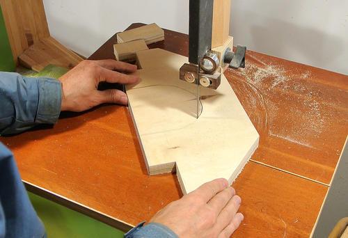 Sierra de mesa casera hecha a partir de una sierra circular for Mesa fresadora casera