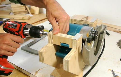 Sierra de mesa casera hecha a partir de una sierra circular - Sierra de mano para madera ...