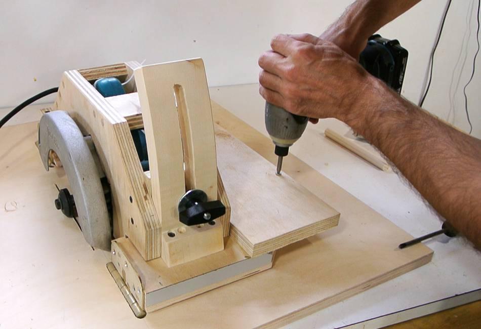 Table Saw Gears : Sierra de mesa casera hecha a partir una circular