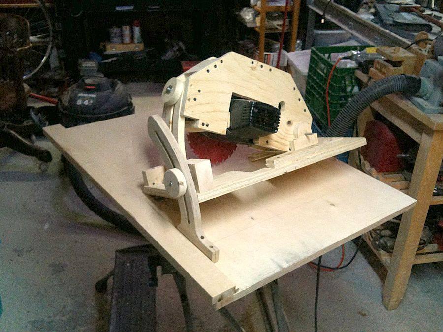 Ian Whatmough's homemade table saw