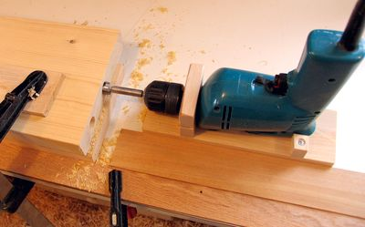 guide for drilling straight holes
