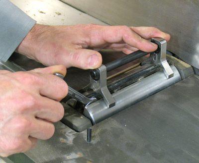 Adjusting Jointer Knives