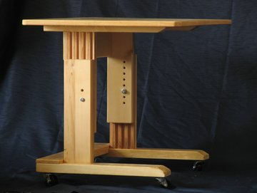 More pictures of the laptop computer desk