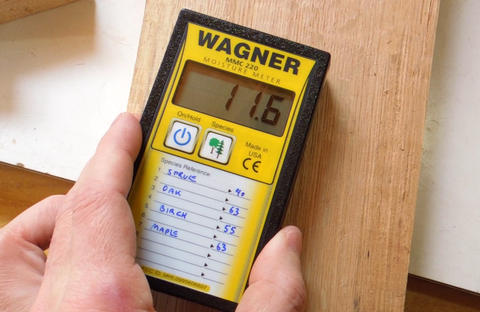 measuring moisture content in wood