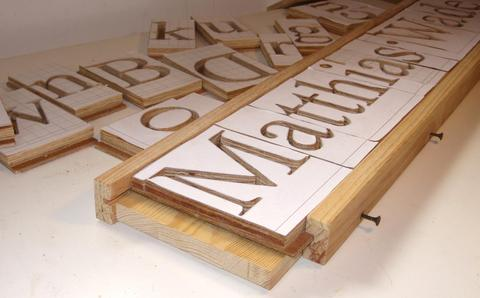 Making 3d letters with the pantograph for Router templates for signs