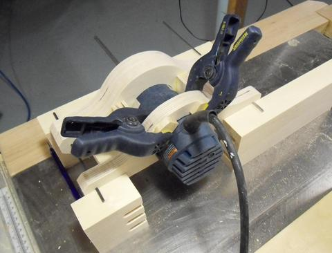Building a router mount for the pantorouter the bosch colt gkf 600 router unfortunately has an ergonomic shape in the back of the housing this makes it difficult to support it there greentooth Choice Image