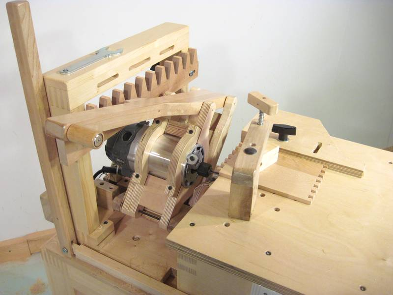 Dovetail Joints with a Router