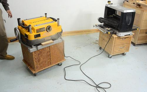 dewalt planer stand. when operated without any dust collection attached, the blower shoots chips a long way, with spreading out over five meters away! dewalt planer stand