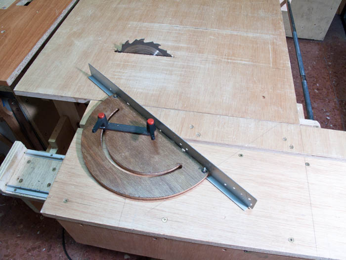 Homemade miter gauge table saw