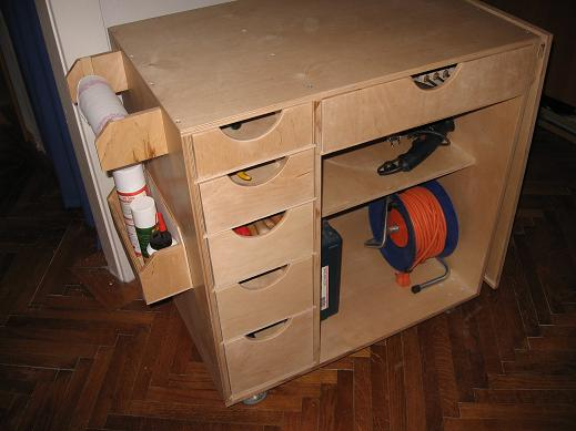 Wood Rolling Tool Chest Plans moreover 17 Free Garage Woodshop Plans ...