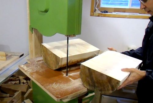 Cutting A Log On The Bandsaw