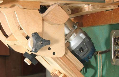 Building the tilting router lift some people prefer to build a wooden bracket to hold the router instead of hose clamps but because i wanted to keep this router lift fairly compact greentooth Image collections