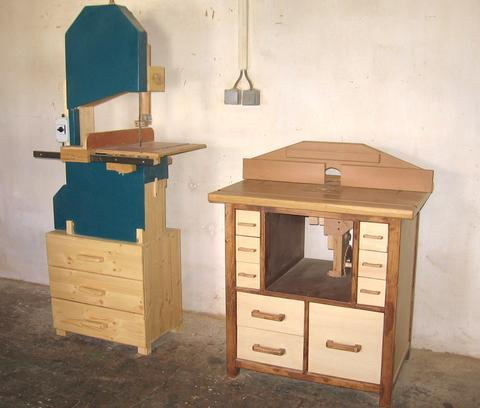 Dejan kovacs router table heres the router table next to dejans bandsaw keyboard keysfo Choice Image