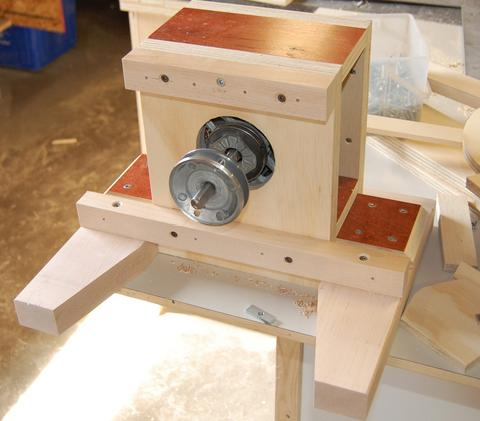 John Heisz's homemade disk sander on homemade thickness sander plans, homemade drum sander parts kits, homemade pipe sander plans, homemade lathe compound feed, homemade wood sander machine for, homemade edge sander plans, homemade spindle sander plans,