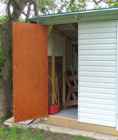 building a shed. Black Bedroom Furniture Sets. Home Design Ideas