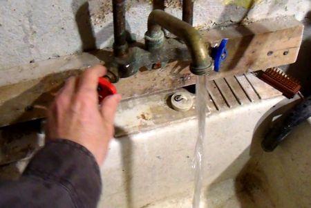 Movinga Copper Plumbing Pipes