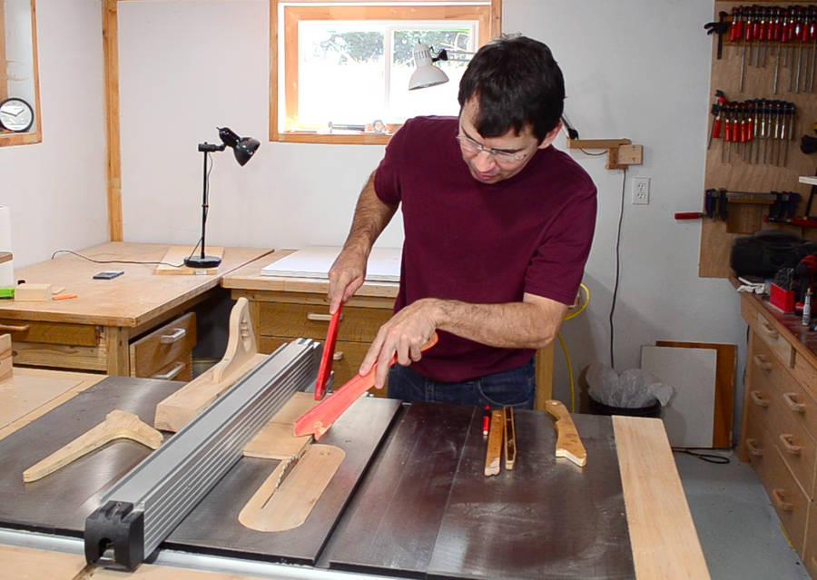 Making table saw push sticks