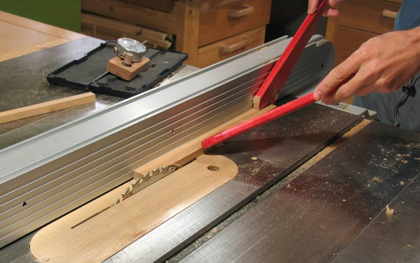 Table Saw Fence Micro Adjusting