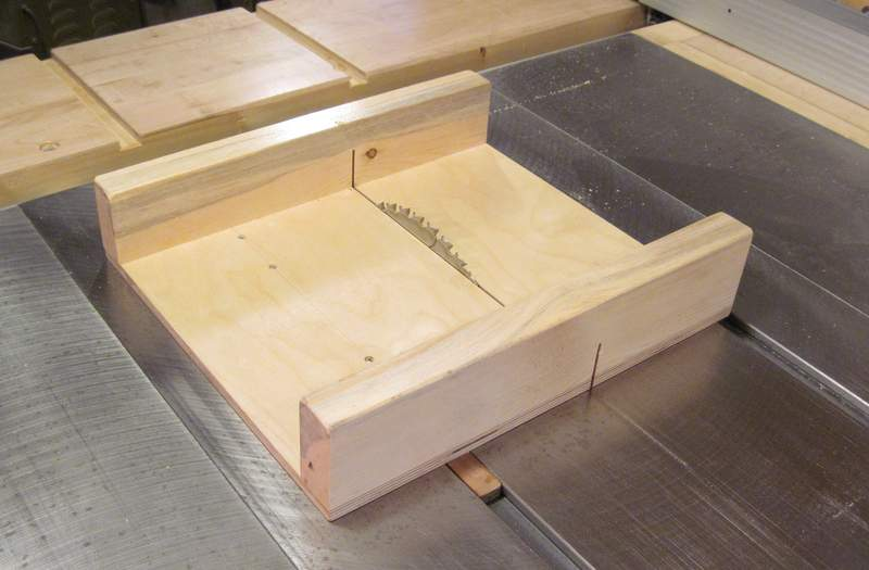 Precise table saw cuts to make a puzzle for Table saw sled