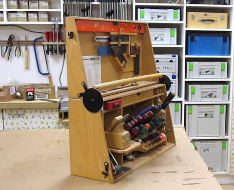 An Clever Tool Chest Hinge
