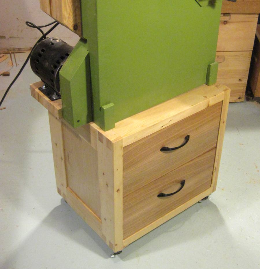 Building a bandsaw stand