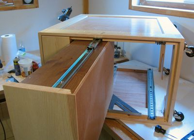 Drawers for the mobile tool stand