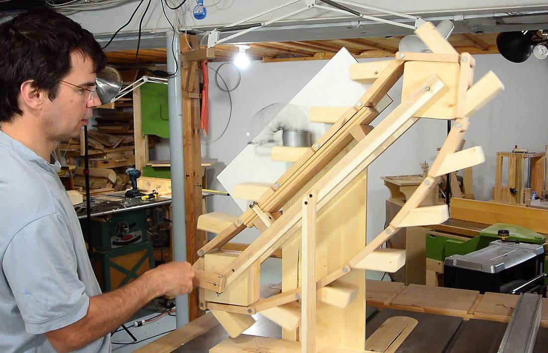 The Slinky Machine A Slinky Escalator