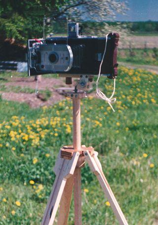 how to make a homemade tripod for phone