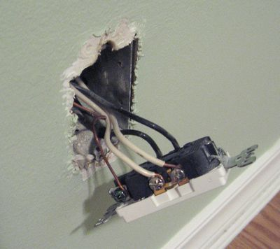 installing an electrical socket wiring to an existing socket