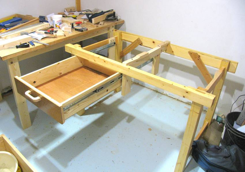 Build Workbench with Drawers Plans